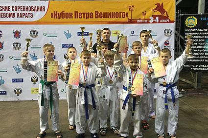 Тихвинские рукопашники успешно выступили в Санкт-Петербурге